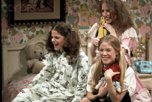 Gilda Radner, Laraine Newman, and Sissy Spacek on SNL