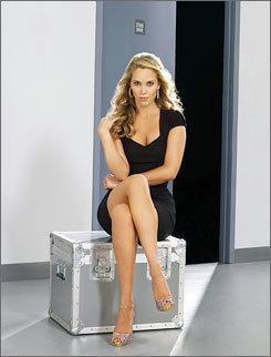 http://images2.fanpop.com/images/photos/4800000/Elizabeth-Berkley-elizabeth-berkley-4829283-245-322.jpg