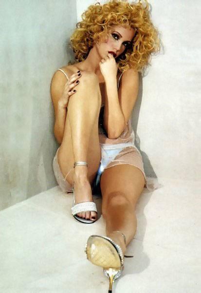 http://images2.fanpop.com/images/photos/4900000/Berkley-elizabeth-berkley-4980457-413-600.jpg