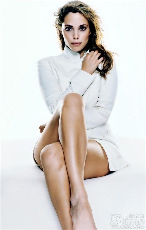 http://images2.fanpop.com/images/photos/4900000/Elizabeth-Berkley-elizabeth-berkley-4980501-500-786.jpg