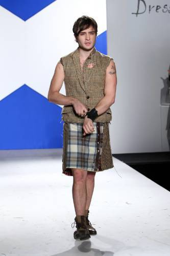 7th Annual Dressed To Kilt Charity Fashion 表示する