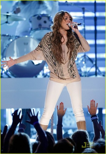 Miley Performing @ ACM'S