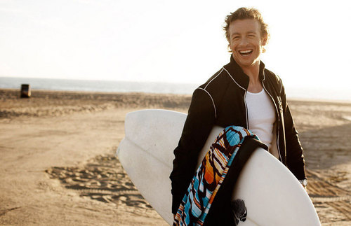 Simon Baker plage Photoshoot