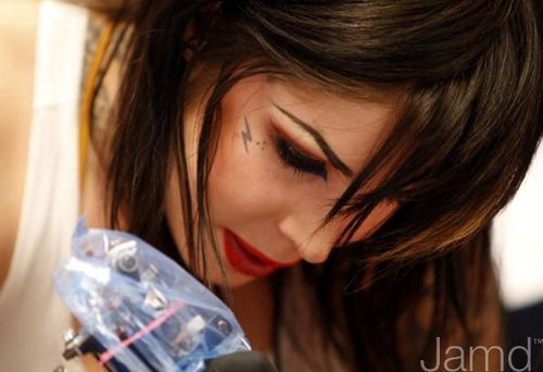 LA Ink's Kat Von D Attempts A 24 jam guinness World Tattoo Record