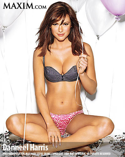 Maxim Photoshoot March 2009 <3
