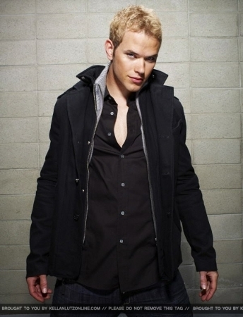 Kellan's Hollywood Life 사진 Shoot