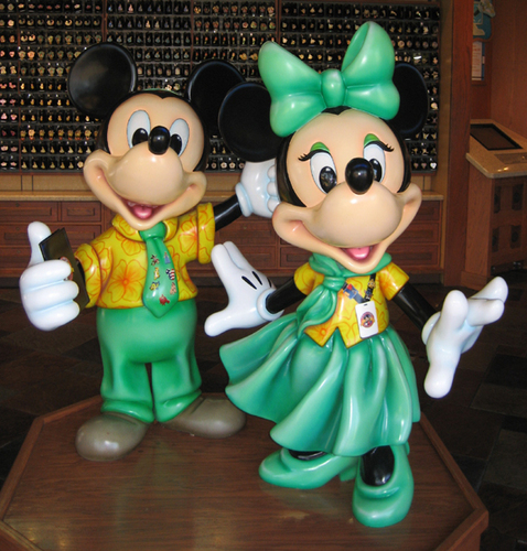 Mickey and Minnie as 迪士尼 World Marketplace