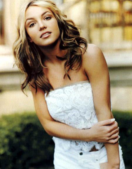 Britney-2000-britney-spears-6827311-450-