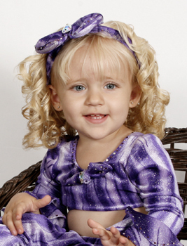 Cute toddler girl :)
