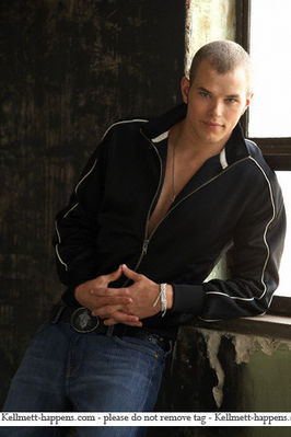 Kellan Lutz - Twilight guys <3