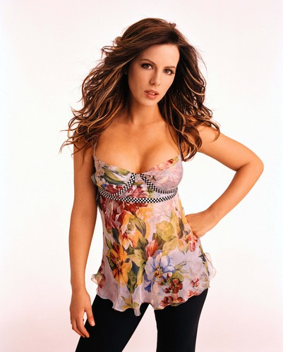 Kate Beckinsale in Floral Print