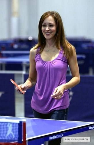Autumn Reeser playing tennis>3