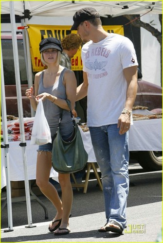 Chad Michael Murray & Kenzie Dalton: Farmer's Market Fresh