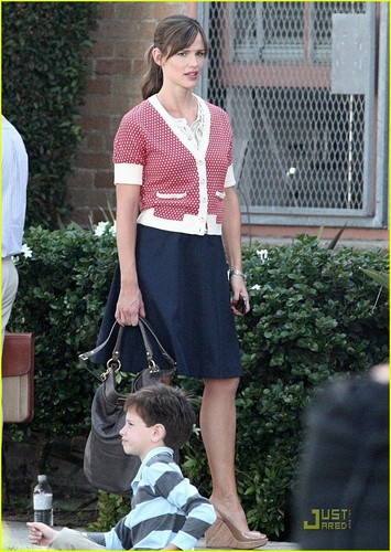 Jennifer Garner on the set shooting