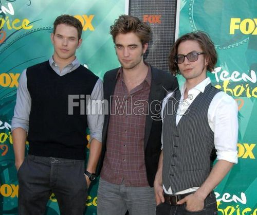 Kellan, Rob & Jackson- at teen choice awards