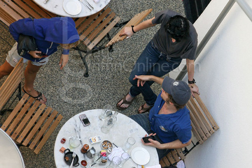 Rob Having Dinenr with Kristen and two other