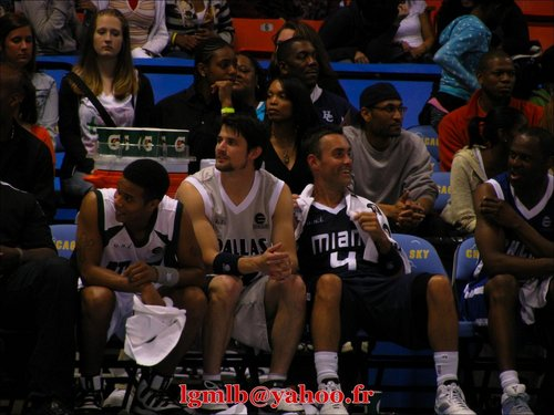 06-02-2009: Entertainment League Celebrity Team v Chicago Sky <3