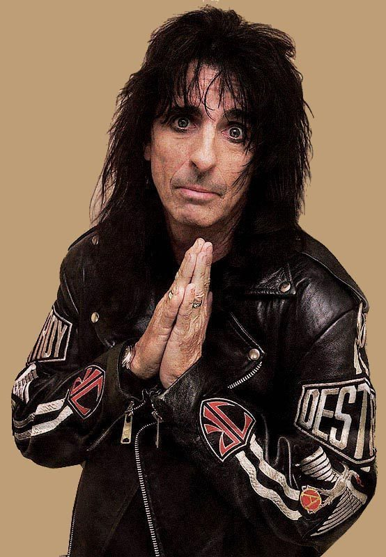 Alice Cooper praying