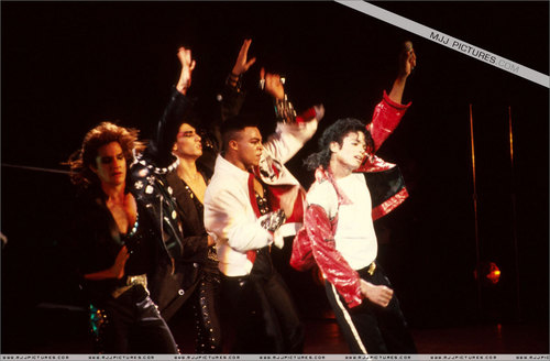 Bad Tour (Beat IT)