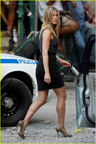 "Jennifer on set ""The Bounty"""