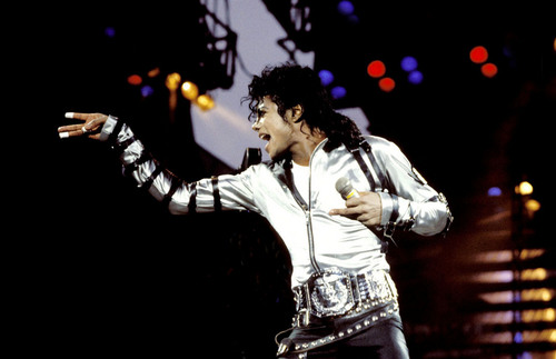 Bad Tour On Stage (Silver Shirt)