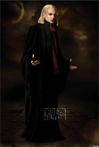 NEW MOON!! OMGOMGOMG THE VOLTURIS!!
