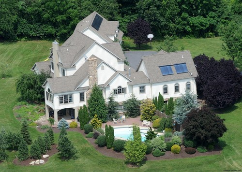 Newer picha of the Gosselin's house
