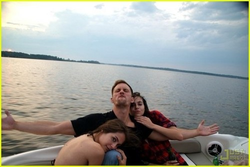 Willa Holland/Alexander Skarsgard