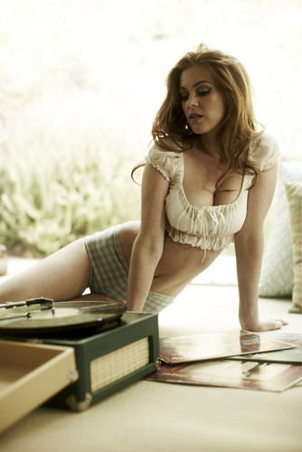 Isla Fisher (HQ)