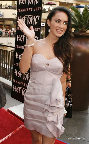 "Megan @ ""Jennifer's Body' Hot Topic"" Fan Event"