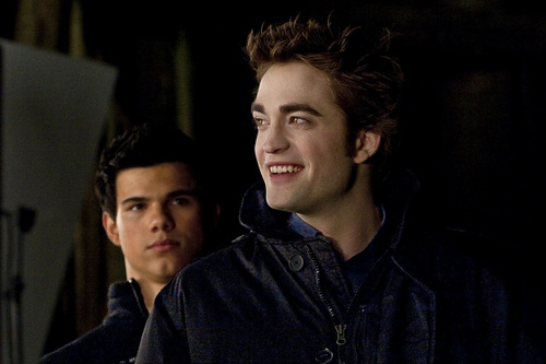 New Moon - Behind The Scenes - Robert and Taylor