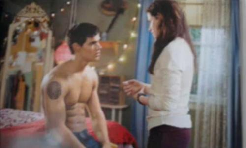 Bella & Jacob talking... NEW PICS!